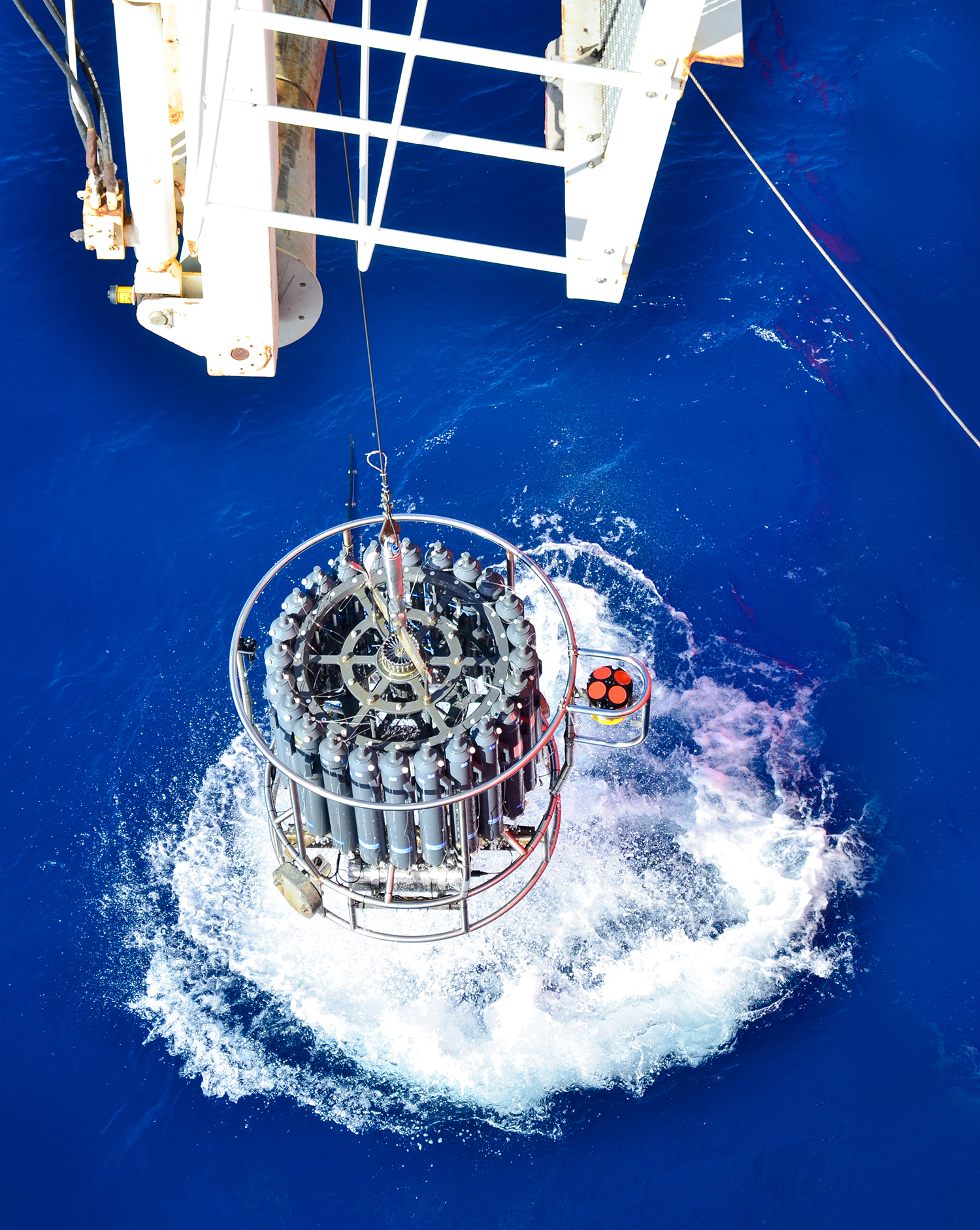 Ocean Warming: From the Surface to the Deep in Observations